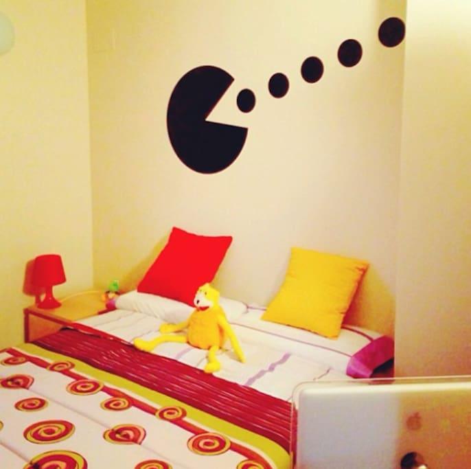 Private room with double bed - Habitación privada con cama de matrimonio