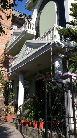 sunny,homely,good scene,cosy - Kathmandu - Haus