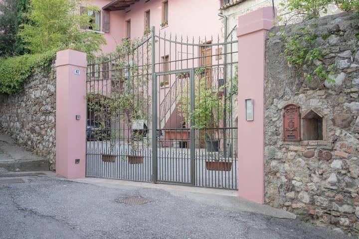 La Corte di Villa - Stanza Pieve - Padenghe Sul Garda - Bed & Breakfast