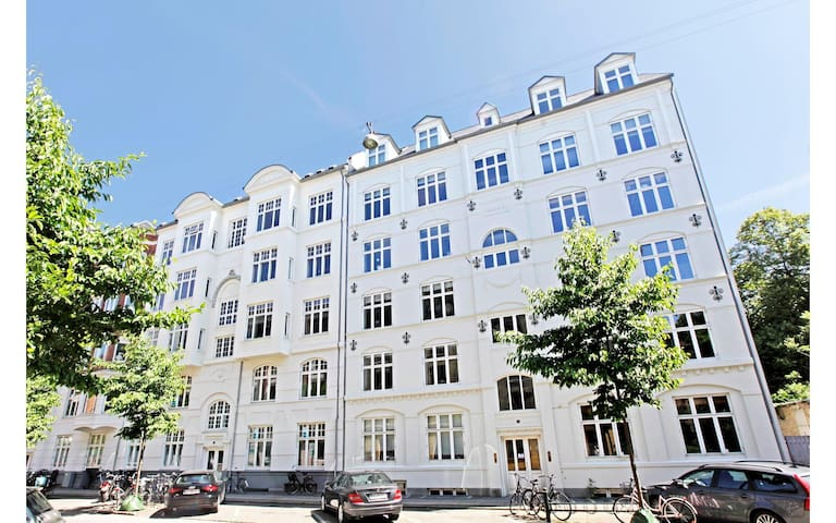 Homely renovated flat with garden - Frederiksberg - Appartement