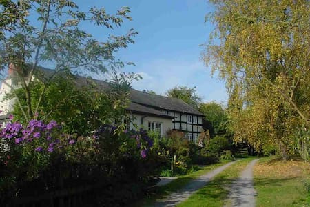 Country retreat near Pembridge, Herefordshire - Herefordshire - Haus