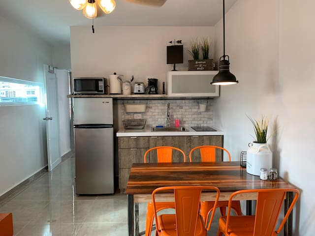 Parking & Laundry Modern FarmHouse Urban Mayaguez