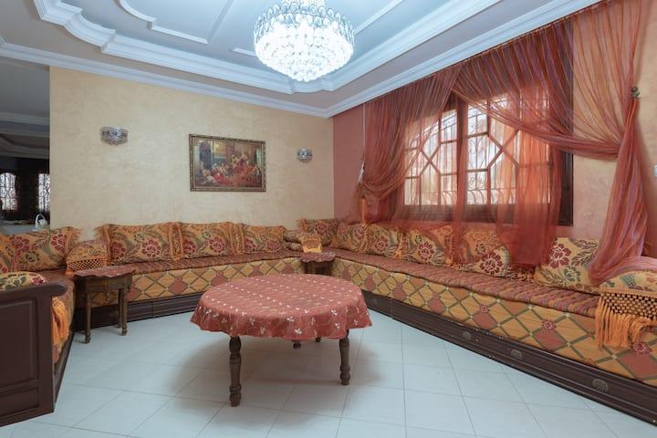 fantastic 5 bedroom villa for 10 to 16