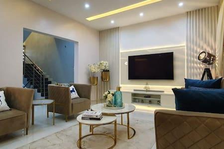 The Daniels 5 Star Short let Apartment in Lekki
