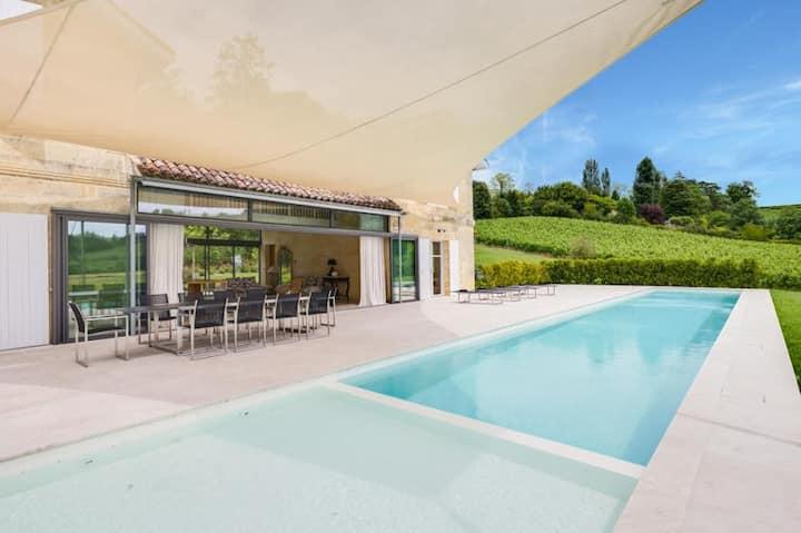 Chateau Picoron Villa & Pool, A Bordeaux Wine stay