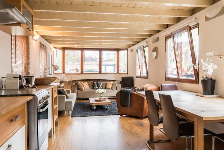 "New! Nicely decorated Houseboat ""Avelante"""