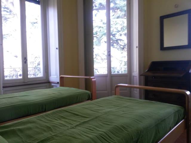 camera da letto N.2/ bedroom N.2