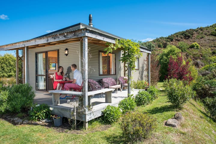 Fraser Highlands - Cosy Cottage - Motueka - Bed & Breakfast