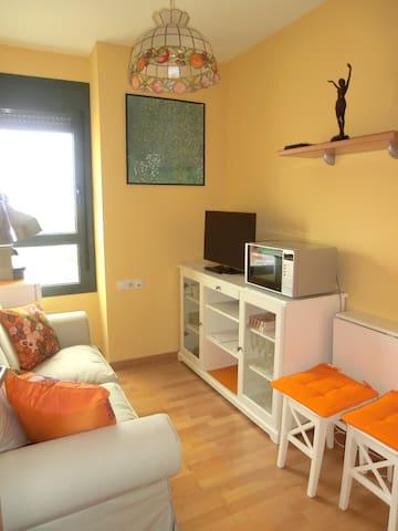 2 habitaciones en 1ª linea de mar - Mataró - Apartamento