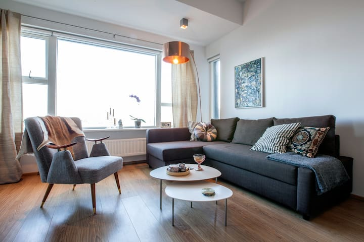 Chic Downtown Apartment with a View