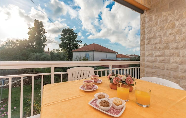 Holiday apartment with 2 bedrooms on 67m² in Biograd