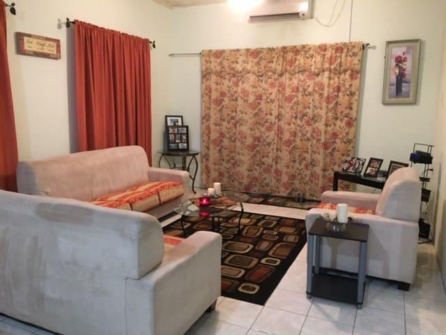 2 Bedroom Comfy Apartment