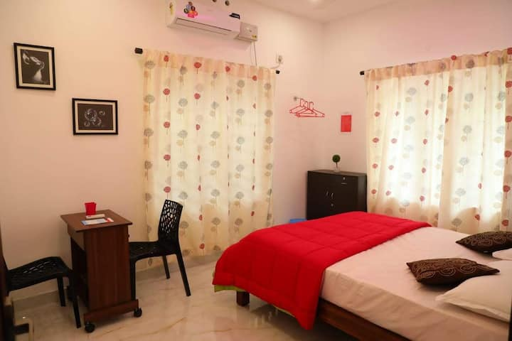Fully furnished golden class stay in kochi.