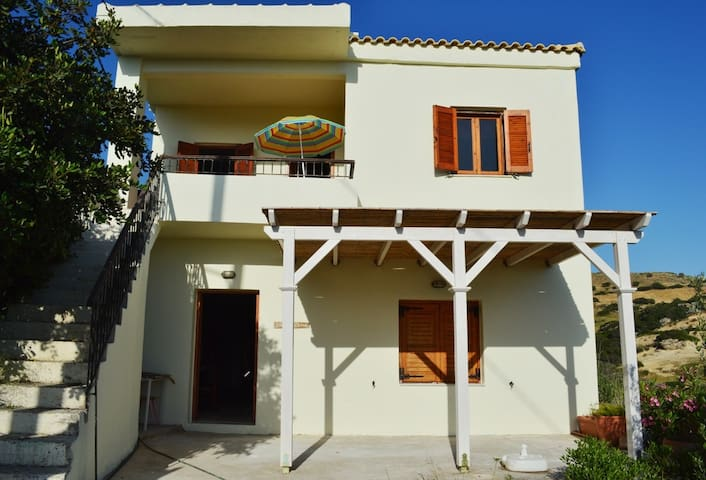Three Rock Home - Rethymno - House