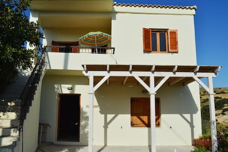 Three Rock Home - Rethymno