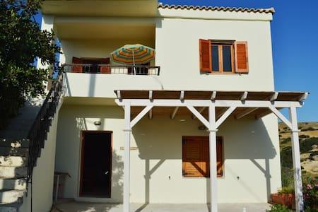 Three Rock Home - Rethymno - House