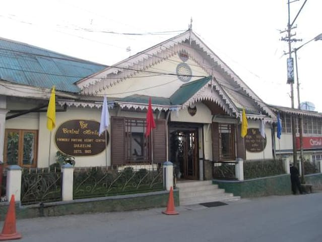 Heritage Resort | Heart of Darjeeling | Wifi