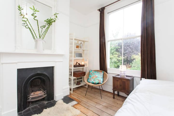 Beautiful Garden Room in Hackney - Londen - Huis
