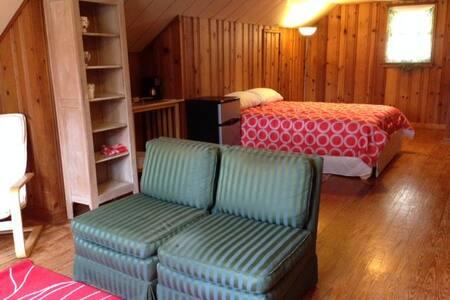 Private Loft Suite near Airport