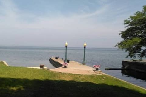 Waterfront Suite, Historic, Lake Ontario -28 days