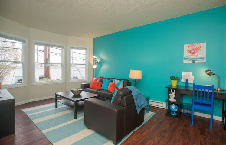 NW Portland One Bedroom Hideaway