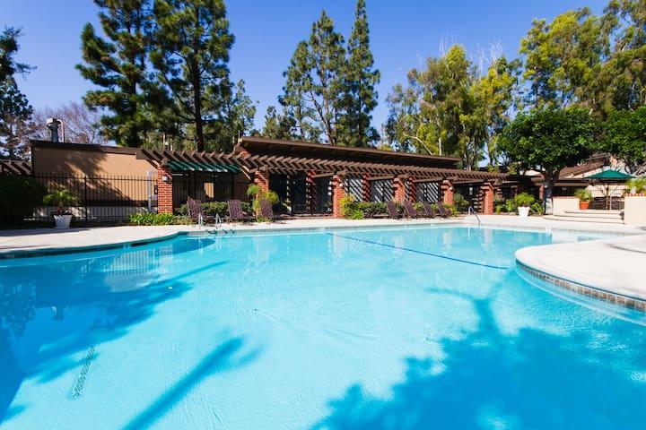 尔湾高级公寓,一室一卫,待产、旅游、探亲 - Irvine - Apartment
