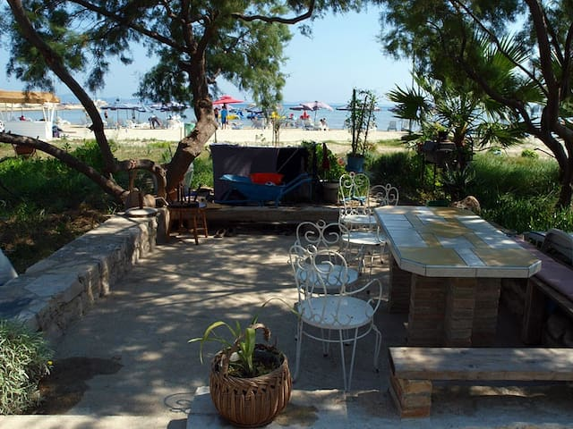 Beachside Rooms at Susak 272