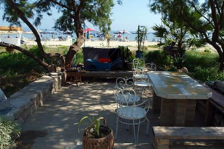 Beachside Rooms at Susak 272