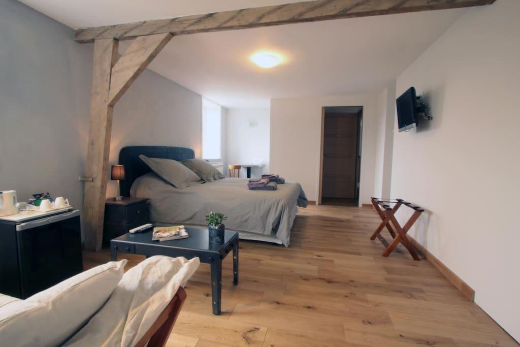 chambre tout confort avec baignoire chambres d 39 h tes louer godewaersvelde nord pas de. Black Bedroom Furniture Sets. Home Design Ideas