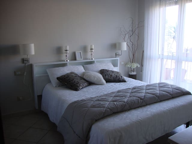 Fabulous apt in Rome close to train - Roma - Pis