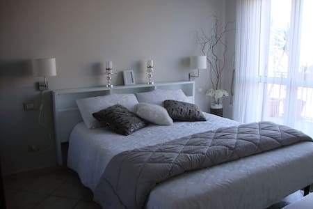 Fabulous apt in Rome close to train - 로마