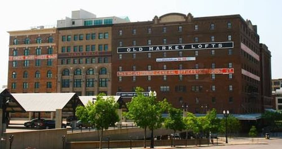 1BR/2BA in the heart of Old Market - Omaha - Appartement