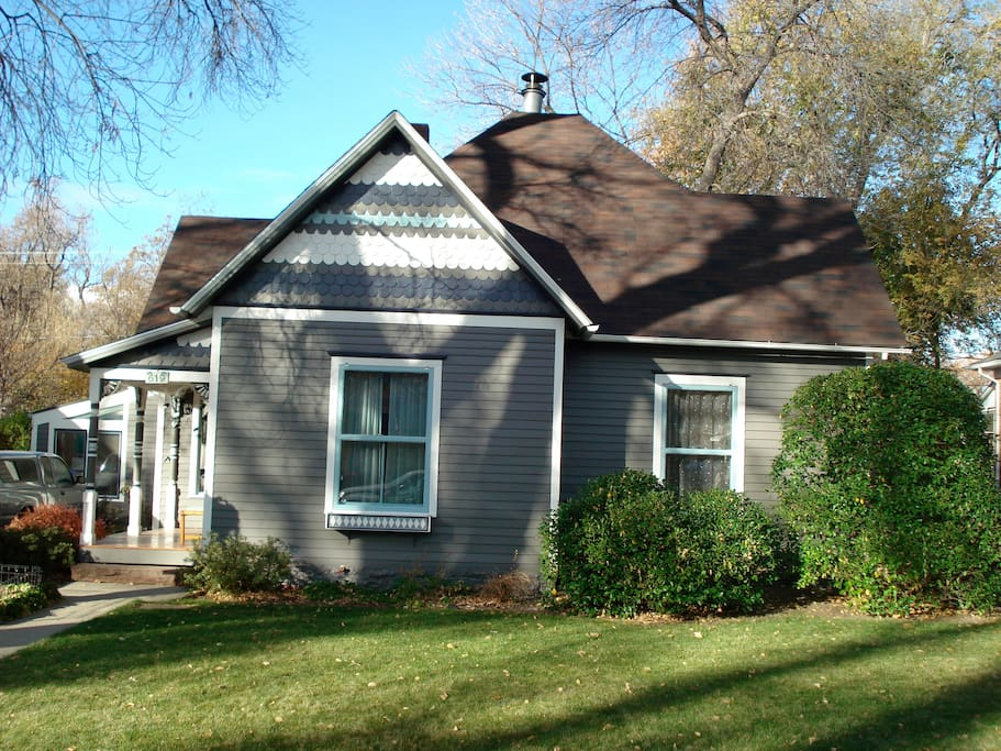 Historic 1899 Victorian in Old Town Longmont