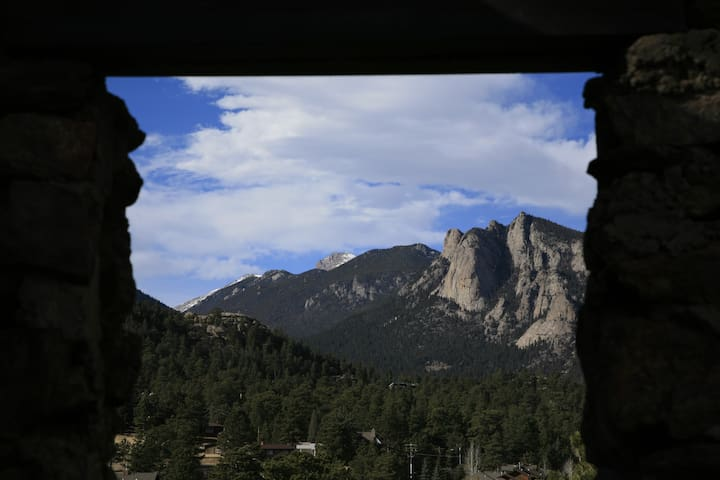 Beautiful scenery when touring Estes Park.