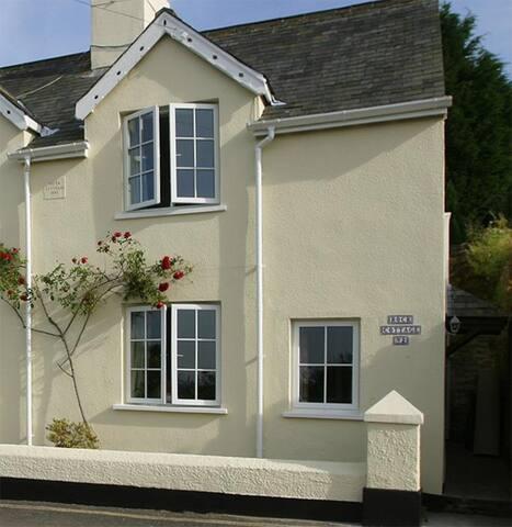 2 Rock Cottage, Dittisham, Near Dartmouth, Devon