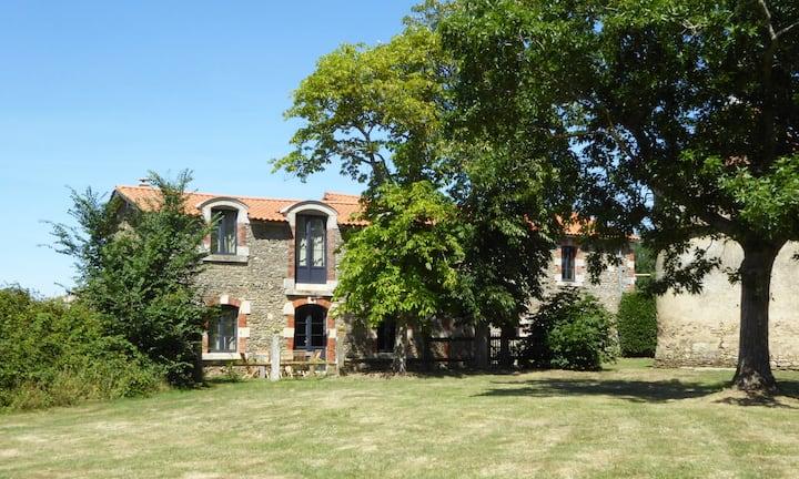 Chateau Breduriere - Gite La Chantonnay