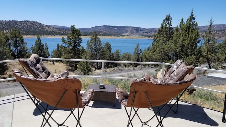 Lake front home on the Prineville reservoir