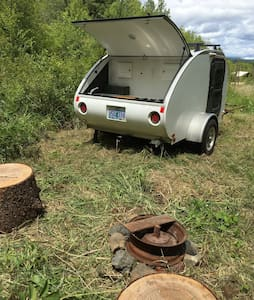 Rustic Living ~ Teardrop Trailer - Husbil/husvagn