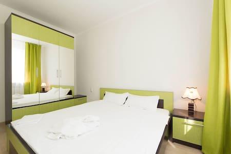 Яркая квартира с 2 спальнями, КМГ - Astana