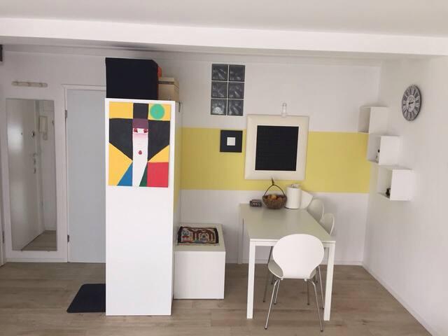 Beautiful 2-bedroom apartment/home - Rougemarinka