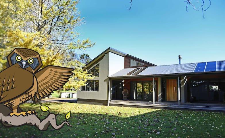 Waiukubnb - 3 Luxury rms,  6 guests, free sauna