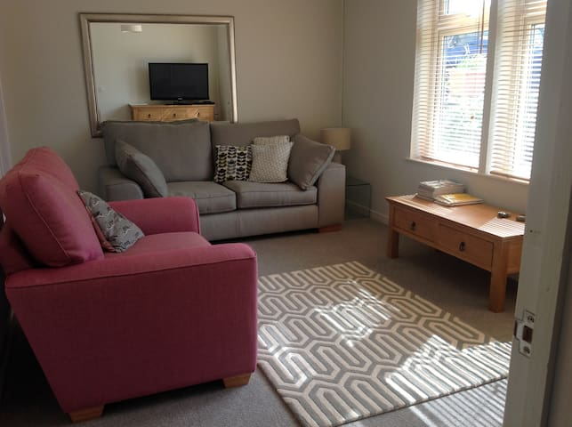 One Bedroom Ground Floor Apartment - Padstow - Lejlighed