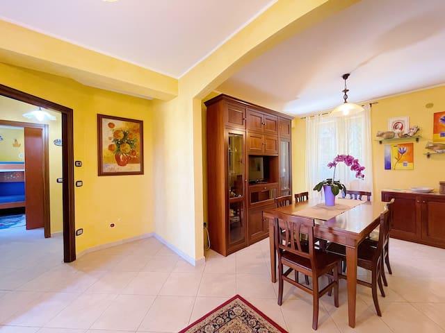 Soggiorno | The beautiful living/dining room
