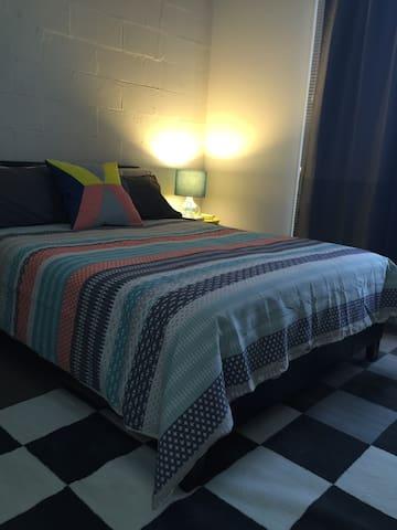 Loft Style room converted warehouse - North Melbourne - Loft