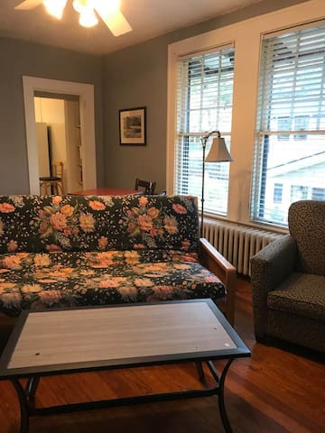 Upstairs apartment Montfort fully furnished (4/4)