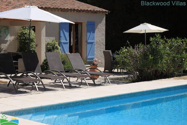 3 Bedroom villa a/c private pool walk to Fayence