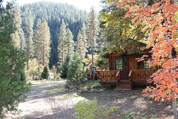 """Logger's Camp"" Cabin at Feather River Hot Springs"