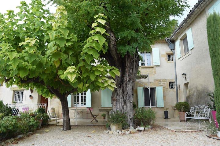 Chambre au pied du Lubéron - Villelaure - 一軒家