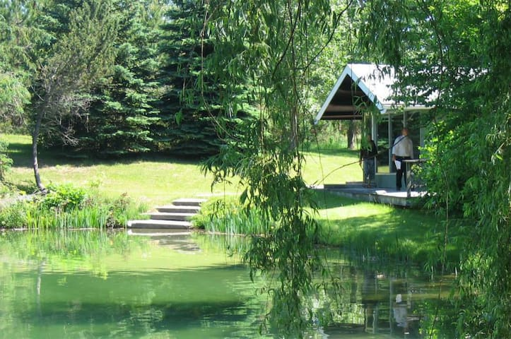 Cottage near Wasaga Beach & Private 2 Acre Pond - Mulmur - Houten huisje