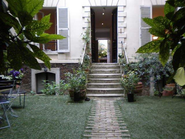 La maison du peintre - BED & BREAKFAST - Paris - Bed & Breakfast
